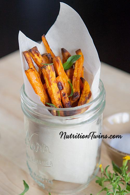 0004_NutritionTwins-sweetpotato-tarragon-garlic-fries_logo