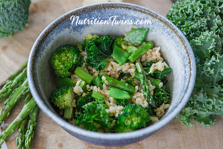 0006__nutritiontwins-broccoli-snowpea-asparagus-kale-brownrice-friedrice-vegetables_logo