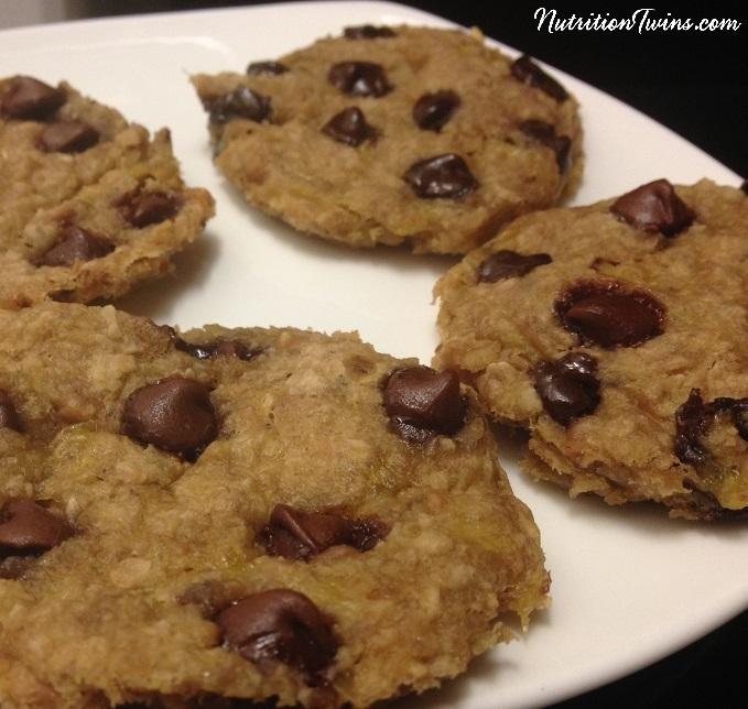 5_min_PB_chocolate_cookie_plate - logo