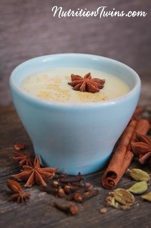Chai_tea_latte_blue_cup