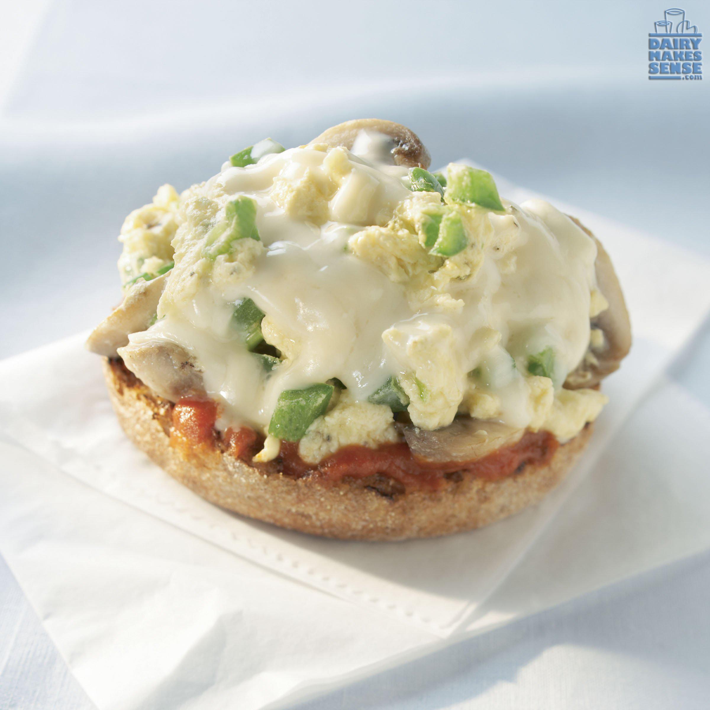 EggMozzarellaBreakfastPizza-copy