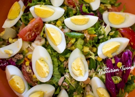 Kale_Salad_with_eggs