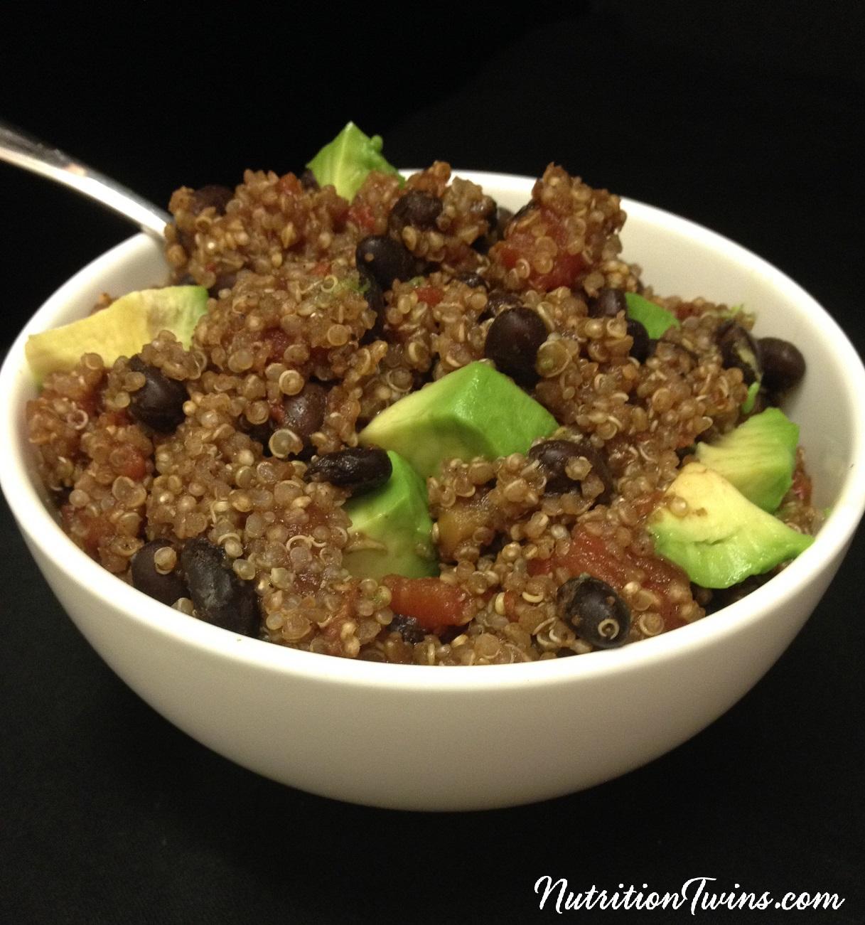 One_pot_bbean_quinoa_chili_avocado